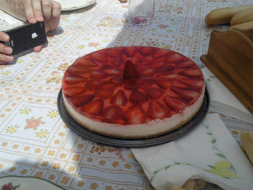 tarta de queso philadelphia con gelatina de fresa