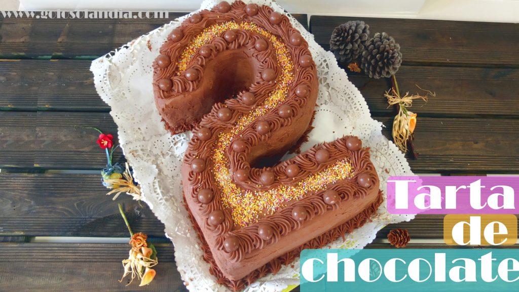Tarta de chocolate para cumpleaños forma de número 2