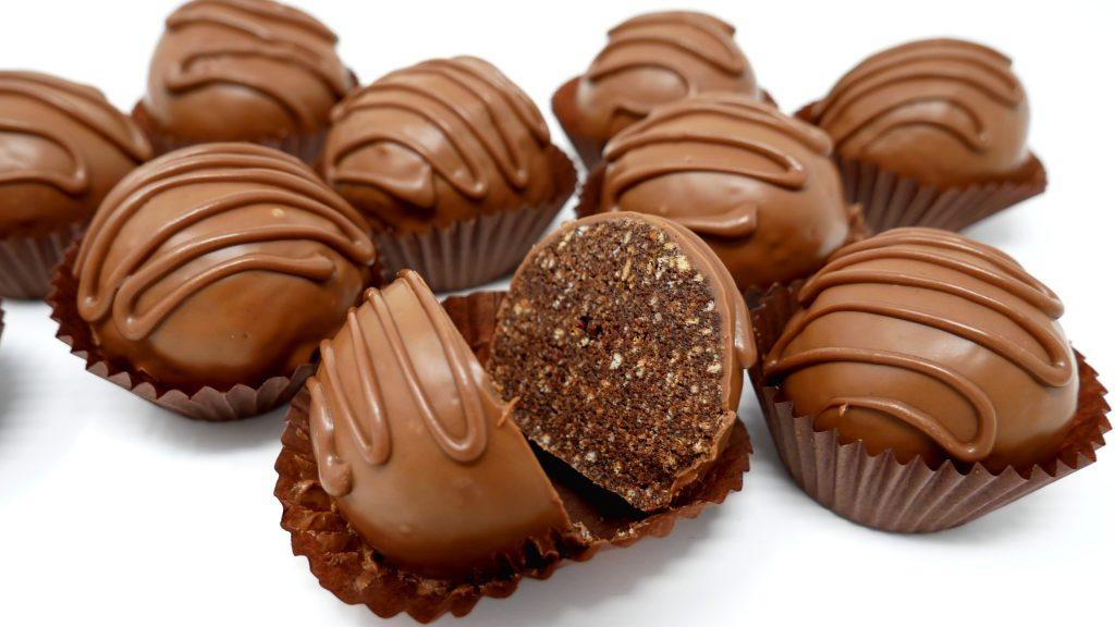 ALUCINA !! 🍫😍 PASTELES de CHOCOLATE de LUJO (solo 4 Ingredientes) CHOCO BOLAS🍫😍